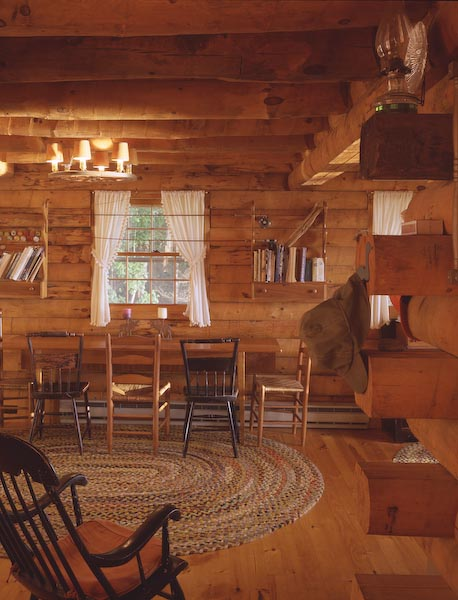 oquossic,maine,western,log,cabin,dinning room