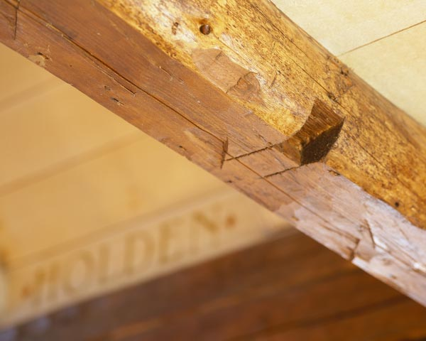 harpswell,maine,architecture,swedish,log,cabin.post and beam,carving